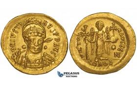 ZJ19, Byzantine Empire, Justinian I (527–565) AV Solidus (4.43g) Constantinople, 545-565, Angel, EF-AU